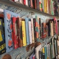 Photo taken at Fatbottom Books by Yoojin L. on 7/4/2017
