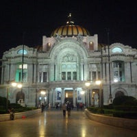 Foto tirada no(a) Palacio de Bellas Artes por Estela L. em 5/20/2013
