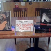 Photo prise au BookPeople Cafe par Joe T. le9/18/2013