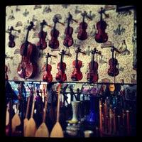 7/7/2013 tarihinde Selin A.ziyaretçi tarafından İstanbul Müzik'de çekilen fotoğraf