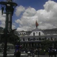 Foto tomada en Plaza Grande por Gaby S. el 10/15/2012