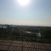 Das Foto wurde bei Набережная в Коломенском von Alex B. am 6/11/2013 aufgenommen
