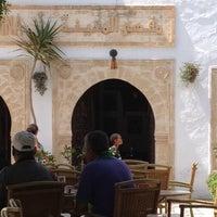 Photo taken at Café el M'dina by Ramzi A. on 8/19/2014