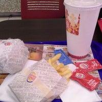 Foto scattata a Burger King Leonardo da Alessio A. il 10/15/2015