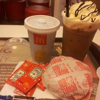 Photo taken at McDonald's by ΩMRiBΩΨ™ B. on 3/8/2013