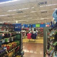 Foto tomada en Walmart Paraíso por Claudia G. el 9/16/2016