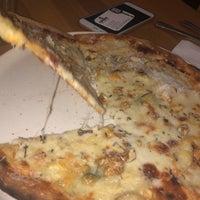 Foto tirada no(a) All Eatalian ( Pizza - Bakery - Breakfast ) por Medine B. em 10/5/2018