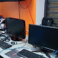 Photo taken at Bandi Tech - Venta y Reparacion de PCs by Paul B. on 5/29/2013
