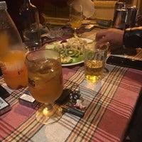 Das Foto wurde bei bellapais spots bar von Izlem Ş. am 4/13/2016 aufgenommen