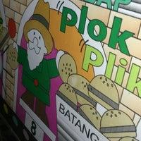 Photo taken at Burger Machine by Wilson R. on 6/12/2013