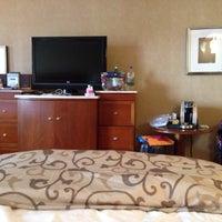 Photo taken at Loews Boston Hotel by Возрождение М. on 10/2/2013