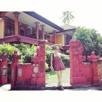 Das Foto wurde bei Puri Naga seaside cottages von Valerie T. am 12/30/2013 aufgenommen