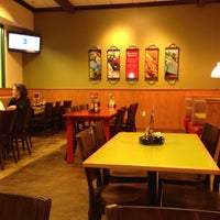 Photo taken at Flippers Pizzeria by Eduardo P. on 1/12/2015