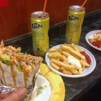 Photo taken at Alì Hamza Kebab by Bella 🌻 on 5/28/2016