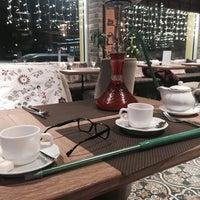 Снимок сделан в ROOM Cafe&Bar пользователем Kriska I. 1/5/2016