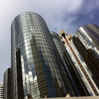Foto tirada no(a) The Westin Bonaventure Hotel & Suites, Los Angeles por Mark E S. em 3/8/2013