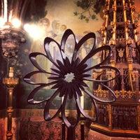 Foto tirada no(a) The Church of St. Mary the Virgin por Mark E S. em 10/8/2014