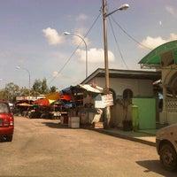 Photo taken at Pasar Pengkalan Chepa by CA Zulkifle /9M2FOX/Reporter /. on 3/23/2013