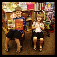 Photo taken at Half Price Books by Janelle W. on 7/29/2013