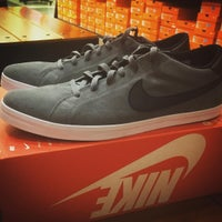 Photo taken at Nike Factory Store by Daryl C. on 7/31/2015