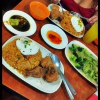 Photo taken at 101 Hawker Food House by Tokyo L. on 1/10/2014