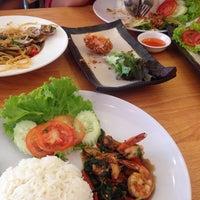 Photo taken at HOF house of food by Pajaree N. on 11/24/2014
