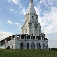 7/12/2013 tarihinde Катюшаziyaretçi tarafından Kolomenskoje'de çekilen fotoğraf