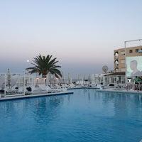 Photo taken at La Jacaranda Lounge Ibiza by Eef V. on 7/8/2017
