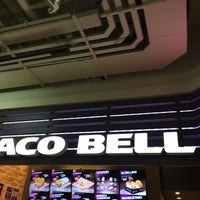 Photo taken at Taco Bell by Fabio S. on 1/15/2017