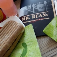 Photo taken at Mr. Beans by Manuel H. on 8/18/2014
