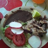 Photo taken at Tacos De Muerte Lenta by Jose Luis O. on 6/27/2013