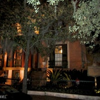Photo taken at Sorrel Weed House - Haunted Ghost Tours in Savannah by Evie on 7/12/2013