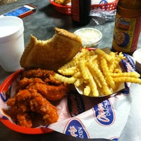 Photo taken at Otter's Chicken Tenders by Michael P. on 6/1/2013