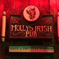 Photo taken at Molly's Irish Pub & Restaurant by Kevin C. on 6/11/2017