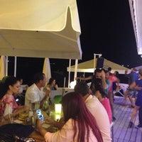 7/7/2014 tarihinde Ali A.ziyaretçi tarafından Monte Beach Club'de çekilen fotoğraf