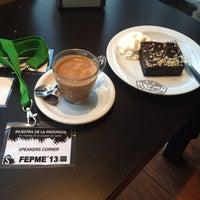 Photo taken at Cafe de Indias Coffee Shop by Inés G. on 11/27/2013