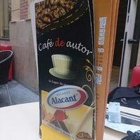 9/3/2013 tarihinde Edgar C.ziyaretçi tarafından Café de Autor'de çekilen fotoğraf