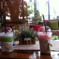 Photo taken at Coffee Hut by Valve on 9/29/2013