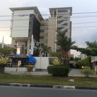Photo taken at Luwansa Hotel Palangkaraya by Franklin N. on 7/21/2014