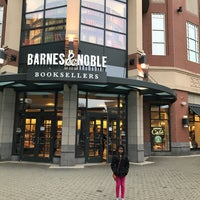 Photo taken at Barnes & Noble by Ganesan P. on 1/2/2017
