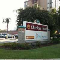 Photo taken at Clarion Hotel Anaheim Resort by Daniel W. on 7/20/2013