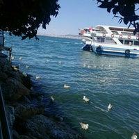 Photo taken at Kıyı Restaurant by Bilge Y. on 8/4/2018