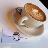 Снимок сделан в Everyman Espresso пользователем Ciara G. 9/23/2012