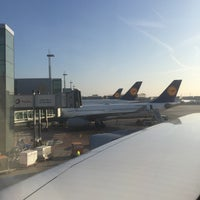 Photo taken at Lufthansa Flight LH 462 by Ser g. on 2/7/2015
