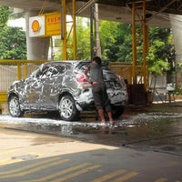 Photo taken at Rush Automatic Car Wash by Fransisco X. on 10/12/2014
