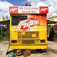 Foto tirada no(a) Mr. Delicious Snack Bar por Petter P. em 12/22/2014