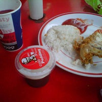 Photo taken at KFC by Reni K. on 6/13/2013