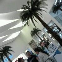 Foto tomada en Galerias Mall por Clarissa L. el 5/16/2013
