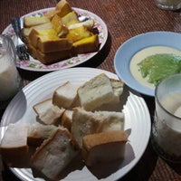 Photo taken at ขนมปังสังขยา นมสด(เลิศรส) by อ๊ะอายส์ i. on 11/24/2015