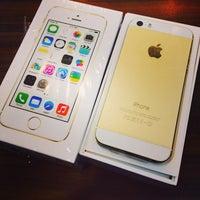 Foto diambil di Switch (Apple Premium Reseller) oleh Wey Yao pada 10/31/2013
